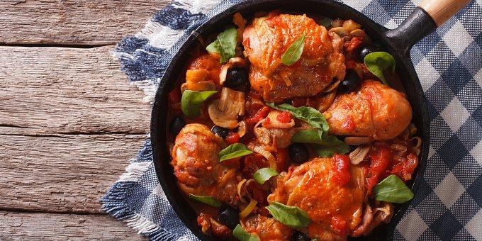 Křupavé kuře 6x jinak: Exotické recepty z Řecka, USA i Thajska