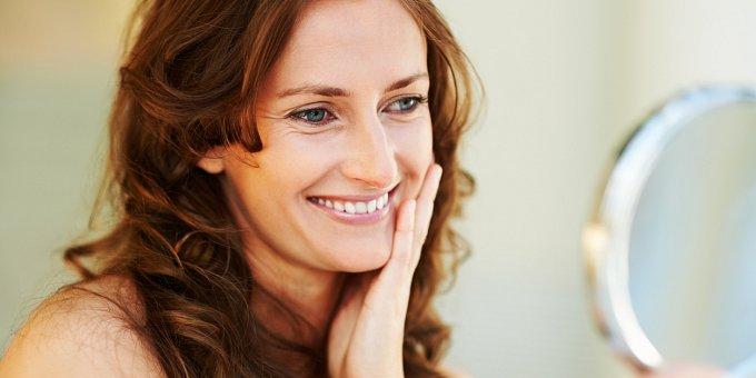 Máte citlivou pleť? Této kosmetice se raději vyhněte