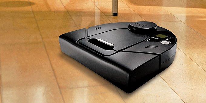 Vysávací robot Neato XV Signature Pro: domácí tryskáč (test)