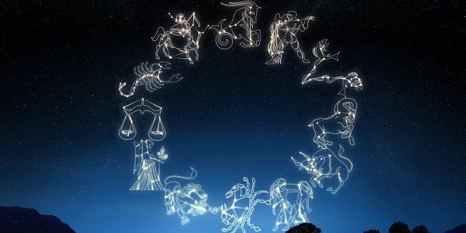 Horoskop na prosinec: Vodnáři najdou skvělou práci, Lvi partnera