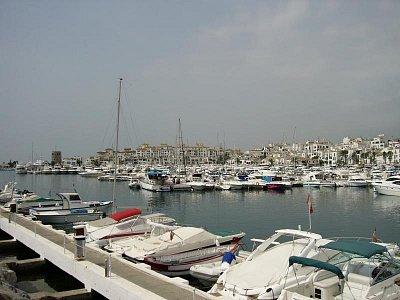 Puerto Banús - Distribuováno pod GNU Free Documentation License (nahrál: admin2)
