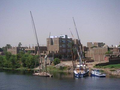 Pohled na břeh v Edfu (nahrál: admin)