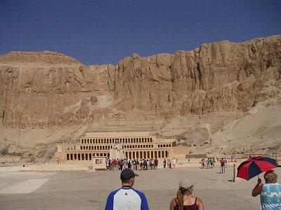Pohledy na přibližující se chrám královny Hatšepsut (nahrál: admin)