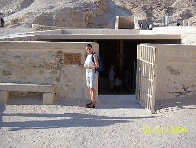Tutanchamon - Je to nádhera u tohoto hrobu stát a navštívit ho. (nahrál: Štefan Franko)