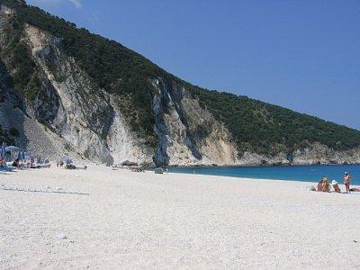 Kefalonie 3 - je to jedna z nejkrásnějších pláží na Kefalonii, ale je jich tam více. (nahrál: Iveta)