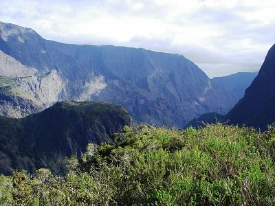 pohled do údolí Cirque de Mafate (nahrál: admin)