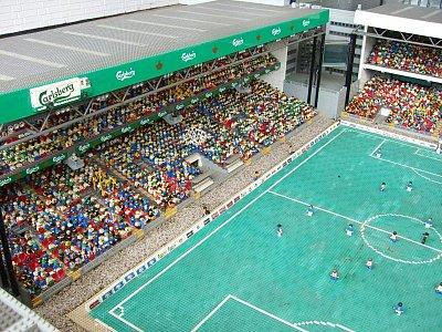 fotbalový stadion z lega (nahrál: admin)