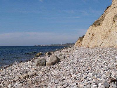 kamenitá pláž ostrova Ero (nahrál: admin)