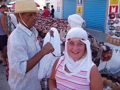 Deniska na tržišti, Nabeul (nahrál: mirunka)