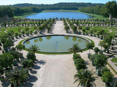 zahrady ve Versailles (nahrál: Ještěrka)