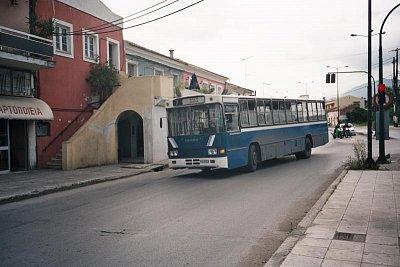 Modrý příměstský autobus v Kerkyře (nahrál: Libor)