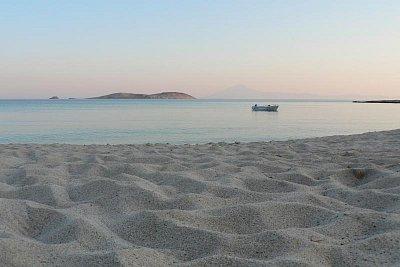 pláž u hotelu Astris sun na jihu Thassosu (nahrál: Alena Melicharová)