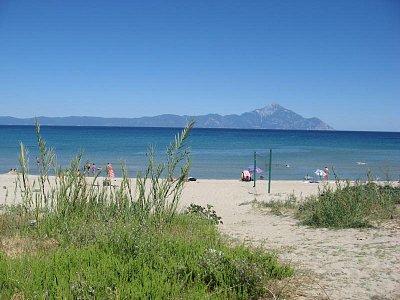 Sarti beach - pohled na Athos (nahrál: Pierrette)