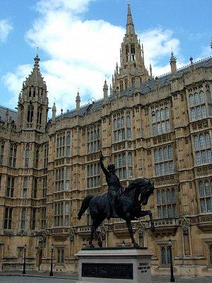 Socha Richarda před Parlamentem (nahrál: admin)