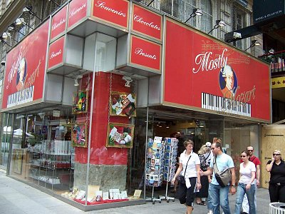 Obchod se suvenýry na Kärntner Straße  (nahrál: admin)