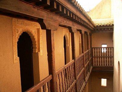 Medersa Bou Inania - Studentské cely v horních patrech medersy. (nahrál: Petr Kubík)