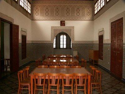Velká mešita  - Velká mešita v Salé je almohadského původu a patří k nejstarším v Maroku. Bohužel nemuslimové si mohou prohlédnout maximálně jen novodobou přístavbu. (nahrál: Petr Kubík)