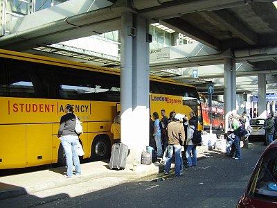 Victoria Coach Station (nahrál: Jechort)