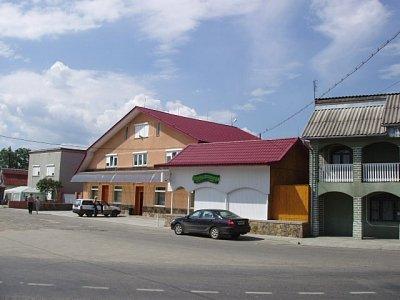 Solotvino - domy u hlavní silnice (nahrál: Kamil Hainc)