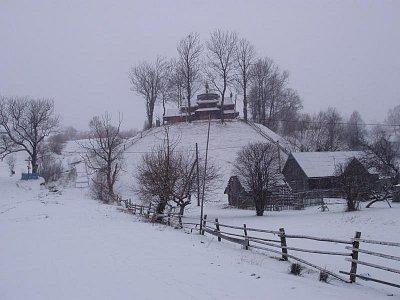 Jasiňa - zimní pohled na Strukivskuju cerkev (nahrál: Kamil Hainc)