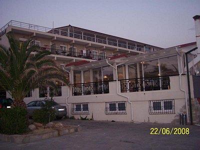 hotel grand (nahrál: eva)