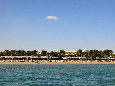Pláž  v Ain Soukhna při odlivu (nahrál: Oldrich Kvapil )