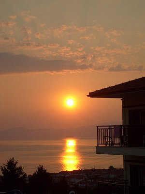 Polichrono - východ slunce nad Polichronem (nahrál: NataliD)