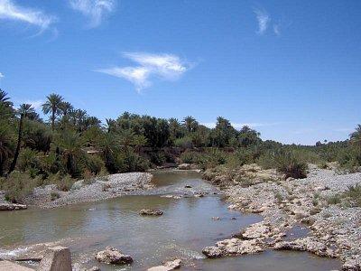 Ouad (řeka) Ziz - vine se údolím Ziz cca 80km dlouhém připomínajícím canyon. Úžasné.  (nahrál: weis)