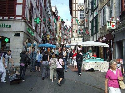 V uličkách Bayone (nahrál: Trochy)