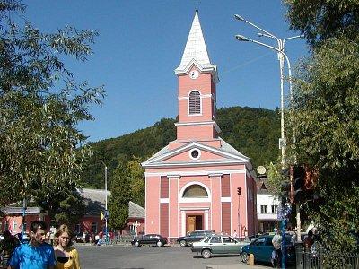 Kostel - Nově opravený kostel na náměstí (nahrál: Jaroslav Bernášek)
