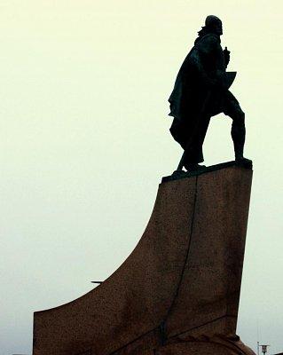 pamatník Leifa Erikssona - prvního objevitele Ameriky (nahrál: petras21)