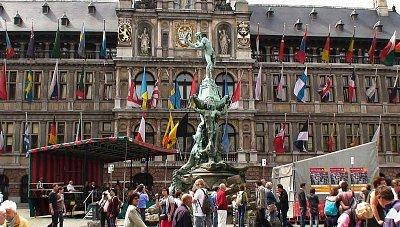 Antverpy - budova radnice na náměstí Grote Markt (nahrál: petras21)