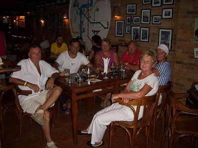 30 let společného života 2 - Team Praha cafe Hurghada gratuluje manželům, kteří tolik let prožili nejenom krásné časy a přeje do další dráhy životem minimálně jěště tolik let společného života. (nahrál: viliamju)