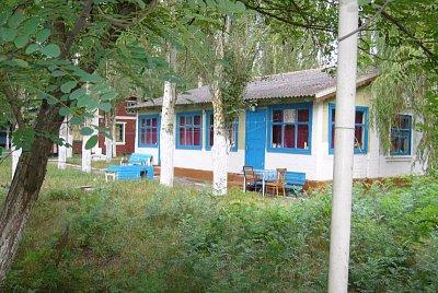 Azovské moře -ubytování - po cestě směr Mariupol je možnost ubytování u Azovského moře (nahrál: Iwana)