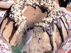 Ořechová bábovka s čokoládou