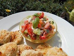 Zeleninový salát s bílým (salátovým) sýrem