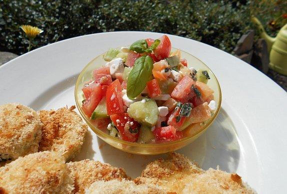 Zeleninový salát s bílým (salátovým) sýrem photo-0