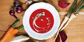 Polévka z pečené kořenové zeleniny