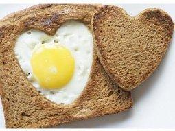 Valentýnský snídaňový toast