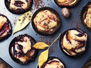 Švestkové muffiny s mákem (hrnkový recept)