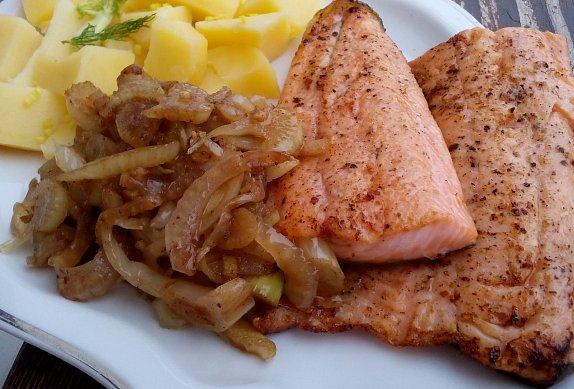 Rybí filety s fenyklovým salátem