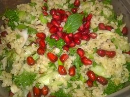 Bulgurový salát s rudými perlami