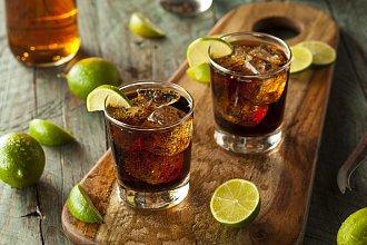 Recept na Cuba Libre drink – postup přípravy, suroviny a více variant receptu