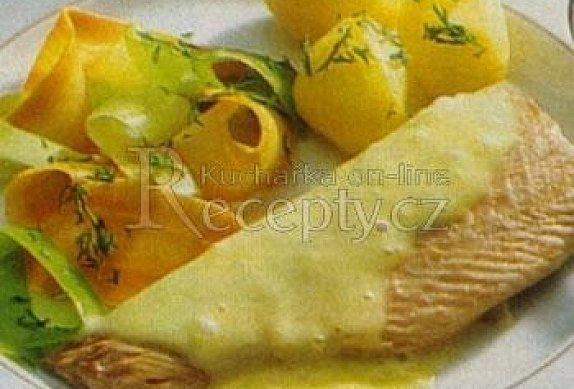Mořský pstruh s jemnou sýrovou omáčkou photo-0
