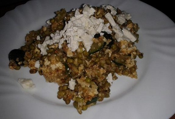 Teplý mungo salát s tofu a kuskusem
