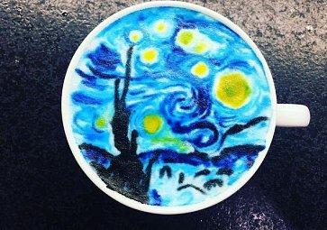 Dechberoucí latte art: Krteček, Mickey Mouse i Van Gogh