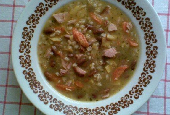 Šarišská polévka s kroupami