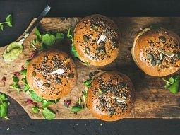 Vegetariánský burger z tofu