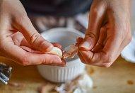 Toasty se sýrovo-ředkvičkovou pomazánkou