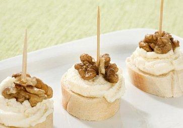 Pomazánky na chlebíčky a jednohubky: 7 nejlepších receptů